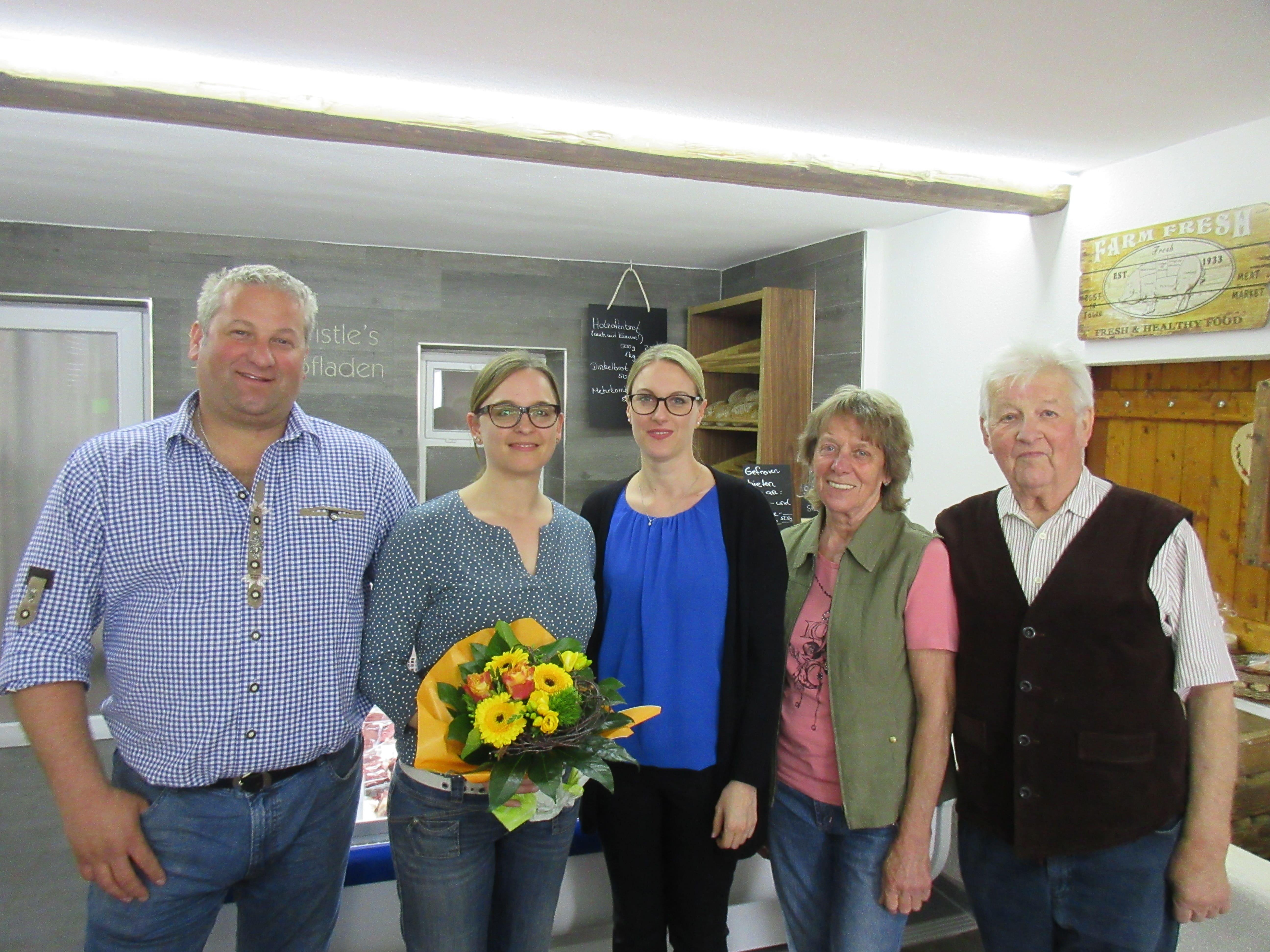 Bürgermeisterin Eisele gratuliert zur Neueröffnung und wünscht einen guten Start